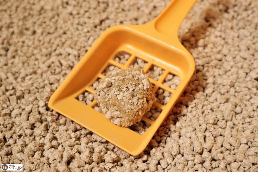 ひのきとおからの流せる猫砂(おしっこの固まり)